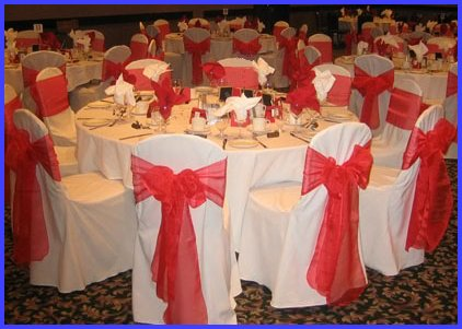 düğün sandalye masa süslemesi